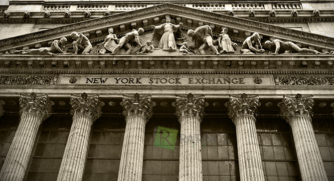 Большой рынок Нью-Йорка на Уолл Стрит